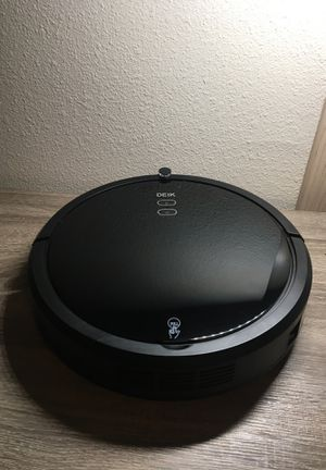 Robot Vacuum (trying to sell ASAP give offers) for Sale in Puyallup, WA