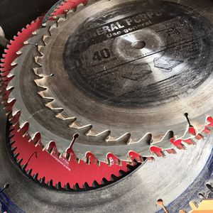 Assorted saw blades for Sale in Trenton, MI