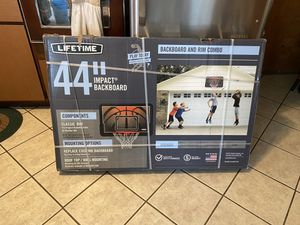 Lifetime basketball hoop for Sale in Bolingbrook, IL