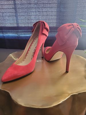 Enzo angiolini pink bow heels for Sale in Columbus, OH