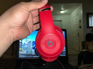 Beats solo 3 wireless over ear noise cancellation for Sale in Houston, TX