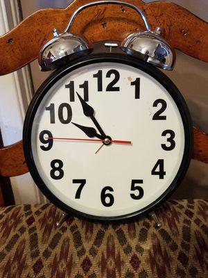 Twin Bell Alarm Clock for Sale in Phoenix, AZ