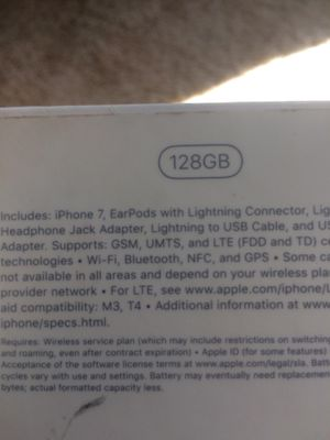 iPhone 7 128 gb box for Sale in Luther, MI