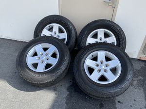 """(4) 17"""" Jeep Wrangler Wheels w/ Discover A/T3 Tires 255/75R17 for Sale in Oceanside, CA"""