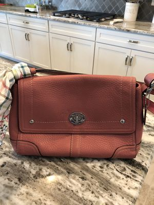 Coach purse for Sale in Lutz, FL