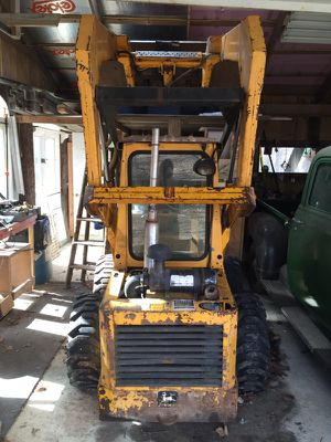 John Deer 570 Skid Steer/Loader Gasoline Operated for Sale in Greenfield, IN