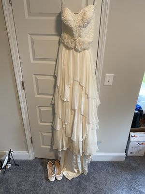Wedding dress size 6 for Sale in Clayton, NC