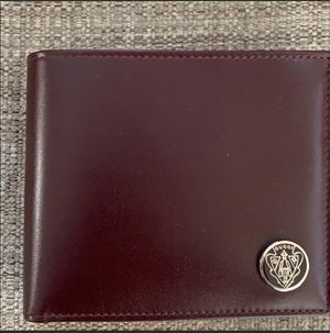 Leather Gucci Wallet for Sale in Pennington, NJ