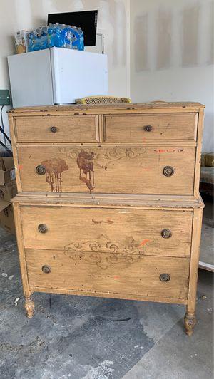Antique dresser for Sale in Whittier, CA