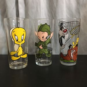 Lot of 3 Looney Tunes Glasses 1973& 1976 for Sale in Norco, CA