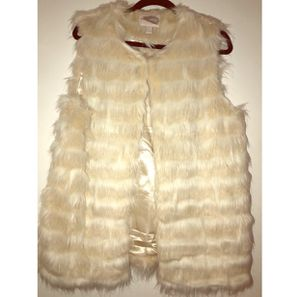 Ivory/ White Faux Fur Vest for Sale in New Providence, NJ