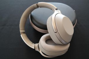 Sony headphones 1000xm2 for Sale in Silver Spring, MD