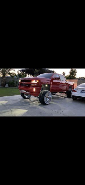 Chevy Silverado 1500 for Sale in Bakersfield, CA