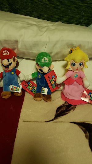 """Super Mario 8"""" Plushies for Sale in Los Angeles, CA"""