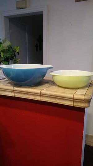 Pyrex bowls both for $15 for Sale in Cypress, CA