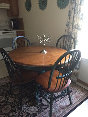 Yes available! Round Dining Room Kitchen Table for Sale in Beaver, WV