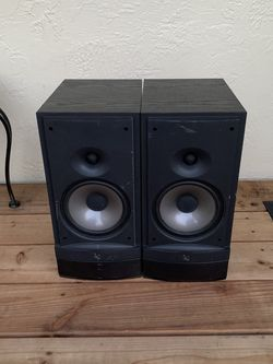 Infinity RS3 Speakers Bookshelf for Sale in Mount Hamilton,  CA