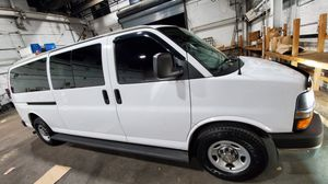 2014 CHEVY EXPRESS EXTENDED PASSENGER VAN for Sale in Queens, NY