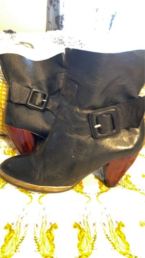 Farylrobin black leather boot size 8 for Sale in Winton, CA