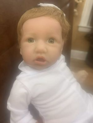 Reborn doll with green eyes 22 inches for Sale in Queens, NY