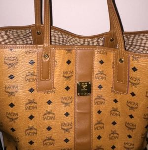 MCM women's bag (large) for Sale in Hawthorne, CA