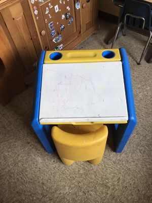 Toddler desk for Sale in Lebanon, OH