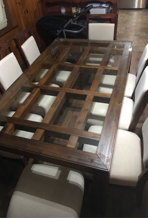 8 person dining room table for Sale in Raleigh, NC