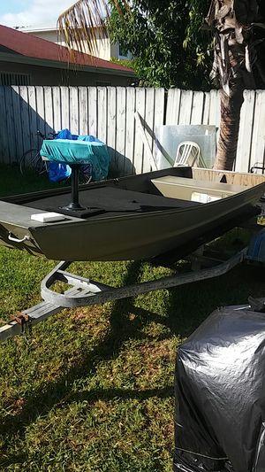 Boat bass tracker for Sale in Miami, FL