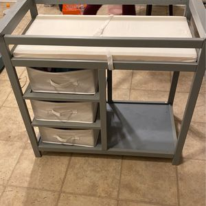 Baby Changing Table With Dresser Set (Make Offer ) for Sale in Long Beach, CA