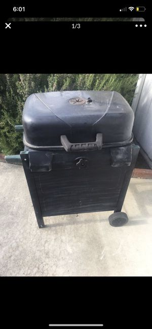 Charcoal bbq grill for Sale in Stockton, CA