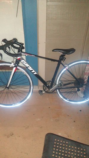 Defy Giant Bike for Sale in Creedmoor, TX