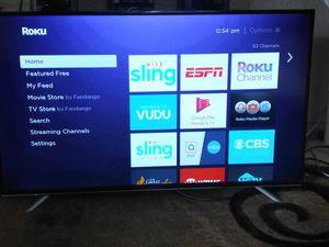 55' Hitachi Roku tv smart for Sale in Winter Haven, FL