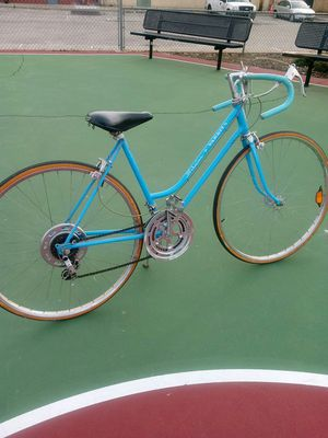 Schwinn varsiry bike from the 80' for Sale in Melrose Park, IL