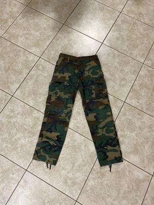 Camo pants for Sale in Miami, FL