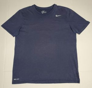 The nike tee men's active shirt for Sale in Houston, TX