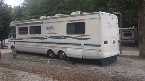1998 National Tropi-Cal - Huge RV in VERY GOOD CONDITION for Sale in Fort Myers, FL