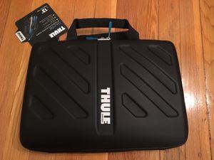 "Thule Gauntlet 13"" MacBook Pro, Plus iPad Attache (Black) for Sale in Tampa, FL"