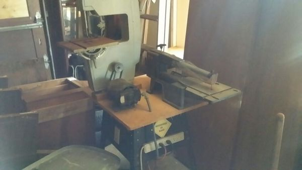 Total shop 5 in 1 woodworking machines Plus two table ...