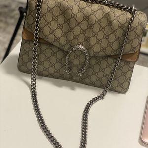 Authentic Gucci GG Supreme Monogram Dyonysus Shoulder Bag for Sale in Chicago, IL