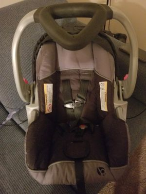 Baby Trend infant car seat for Sale in Elkhart, IN
