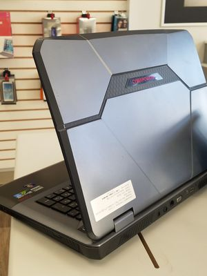 Cyperpower PC FANGBOOK gaming laptop for Sale in Everett, WA