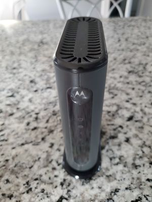 Motorola 8x4 cable modem model mb7220 for Sale in Fall River, MA