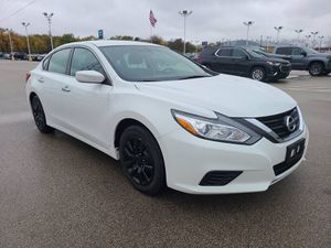 2016 Nissan Altima for Sale in Milwaukee, WI