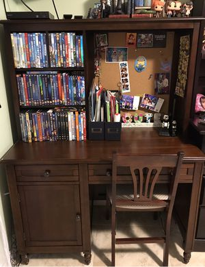 Ava Desk (from JCPenny) for Sale in Hialeah, FL
