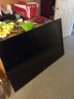 55 Inch insignia tv and remote and wall mount and original manual for Sale in Apache Junction, AZ