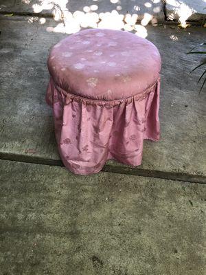 Vanity stool for Sale in Bakersfield, CA