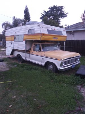 1975 FORD F250 W/ INBED CAMPER for Sale in Stockton, CA