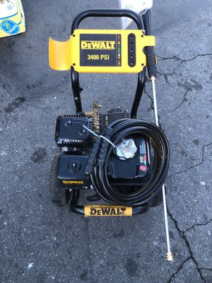 DEWALT 3400 PSI 2.8 GPM Gas Pressure Washer Powered by HONDA for Sale in Torrance, CA
