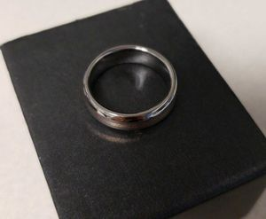 Men's wedding band size 9 for Sale in Bakersfield, CA