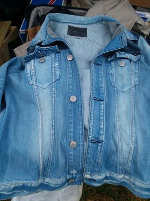 True Religion jean jacket size med for Sale in Fort Washington, MD